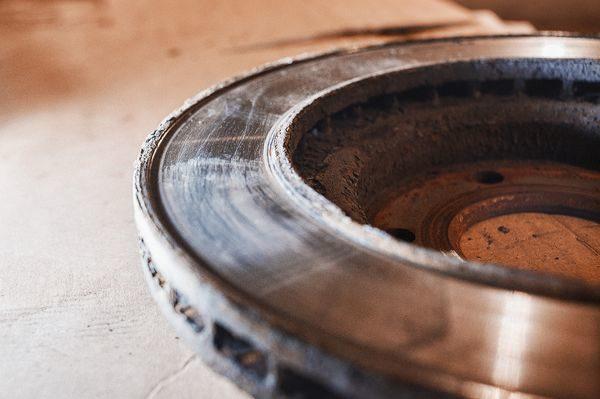 замена передних тормозных колодок лада гранта выработка
