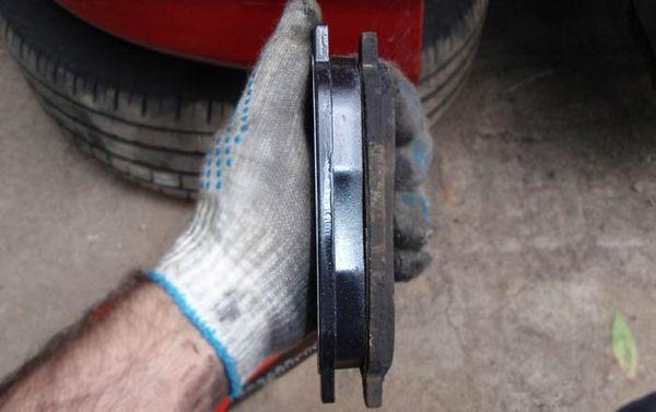 замена передних тормозных колодок лада гранта сравнение
